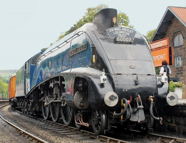 Llangollen Sir Nigel Gresley (MR)