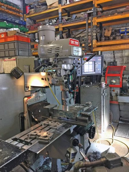 Used SMX 2000 Turret Mill